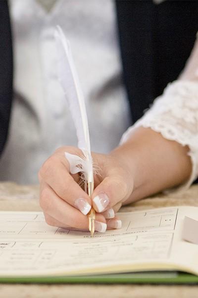 Szertartásvezető, Polgári szertartás, Esküvő szertartás | Az anyakönyvvezető