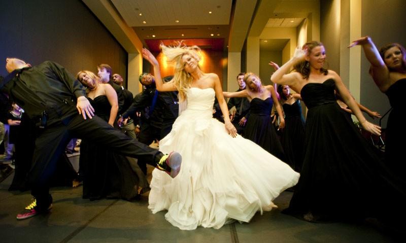 Szertartásvezető, Polgári szertartás, Esküvő szertartás | Esküvő után a buli...