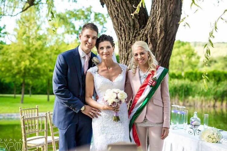 Szertartásvezető, Polgári szertartás, Esküvő szertartás | Iza & Krisztián