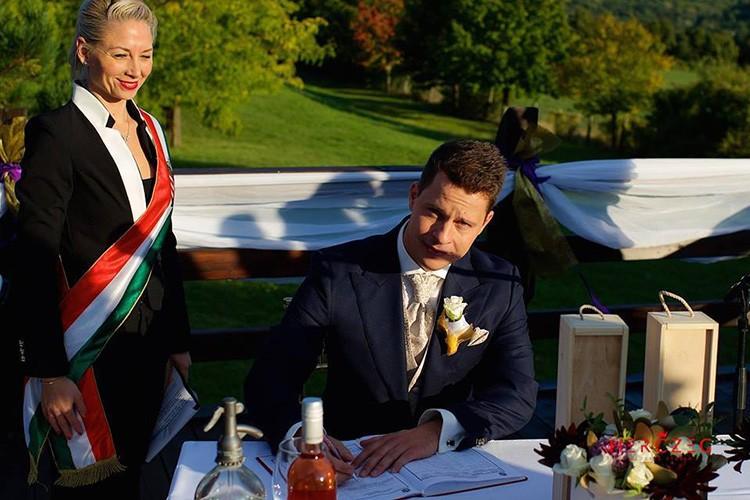 Szertartásvezető, Polgári szertartás, Esküvő szertartás | Laura & Tamás