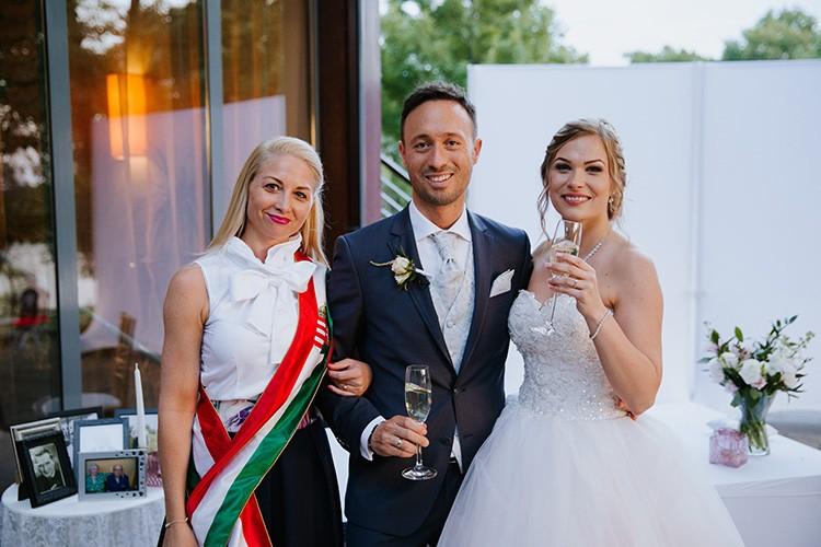 Szertartásvezető, Polgári szertartás, Esküvő szertartás | Tündi & Lorenzo